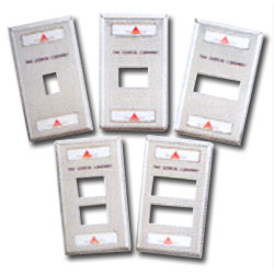 Siemon Single Gang Stainless Steel Faceplate for MAX Modules with Labels & Label Holder
