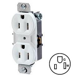 Leviton 8-Hole Quickwire Push-In Without Ears Duplex Receptacle 15Amp 125V Grounding (Package of 200)