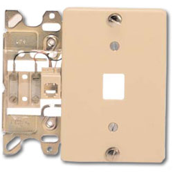 Suttle 6-Conductor Plastic Wallplate with Screw Terminals & Plastic Cover Plate