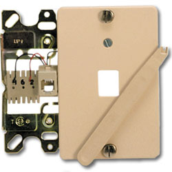 Suttle 4-Conductor Wallplate with Quick Connect & Plastic Cover Plate